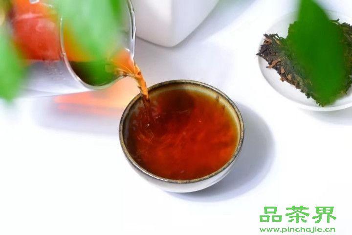 <a href=http://www.pinchajie.cn target=_blank class=infotextkey>红茶</a>要怎么泡才好?